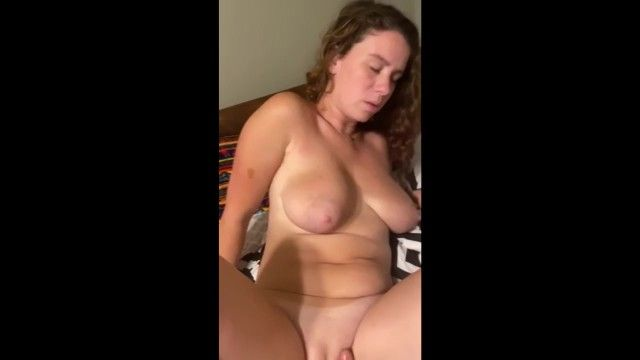 Hawt milf love when somebody play with her fur pie