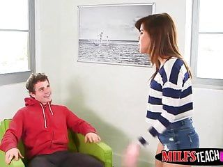 Fortunate hunk robby nails alexis fawx and angel lilith shayton