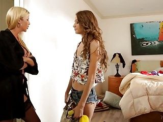 Moms fine angel - rebel lynn and alexis fawx