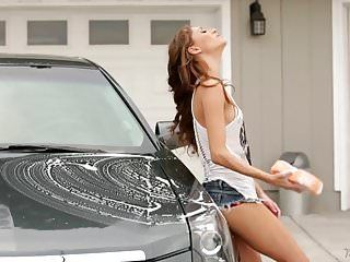 Mama needs her clean car - rebel lynn, alexis fawx